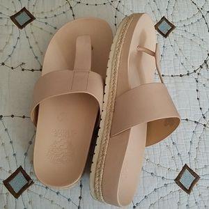 Vince Camuto flip flop sandals pink